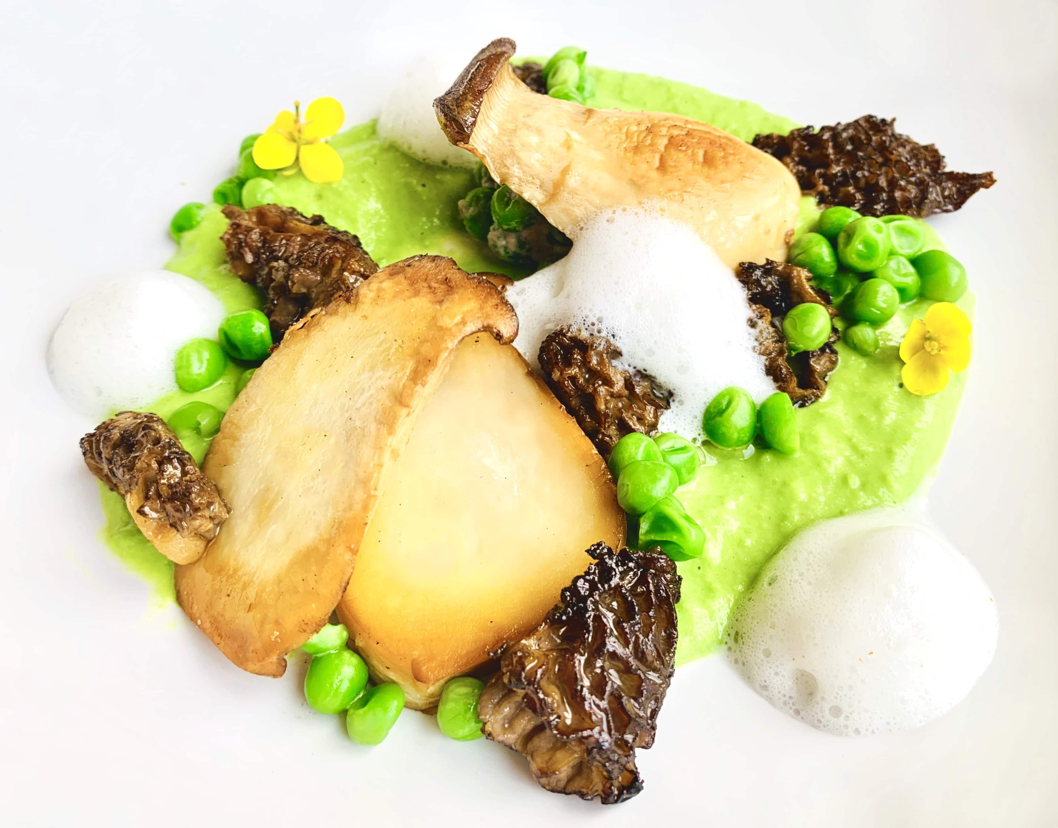 Dhingri Matar (Mushroom and Peas)