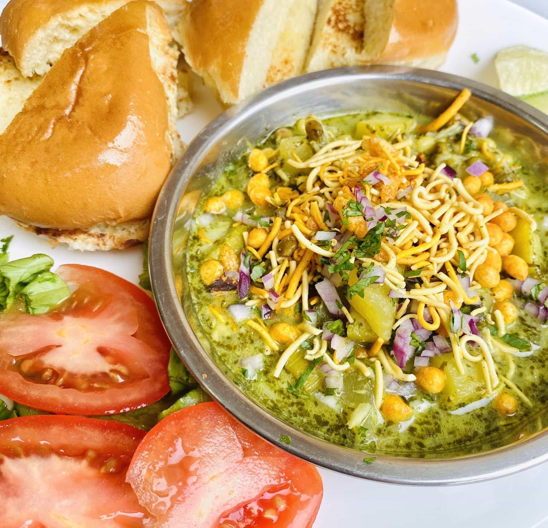 Moong, zucchini and potato Hirwa Rassa
